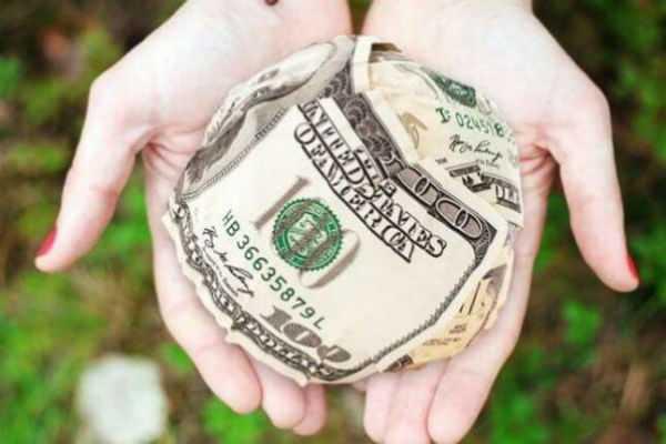 5 причин почему деньгами в семье должна распоряжаться женщина