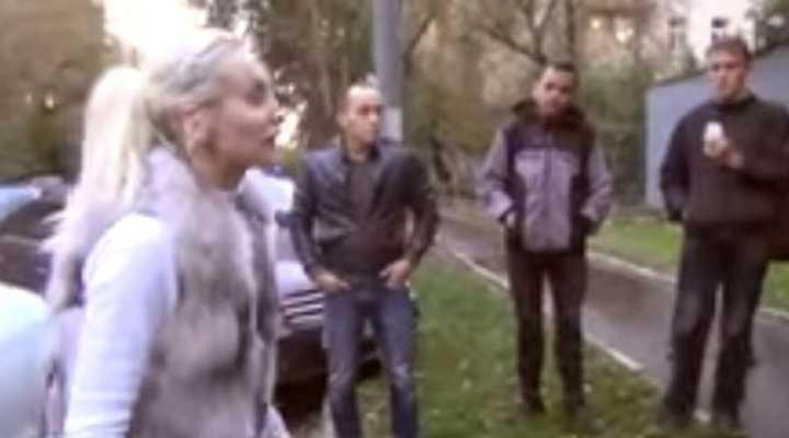 Активисты СтопХама «наехали» на девушку, но она оказалась кикбоксером