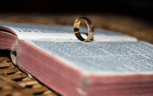 Заговоры на кольцо: на удачу, деньги и любовь