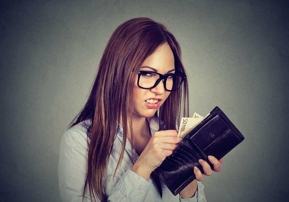 5 скрытых признаков, что женщина жадная до денег