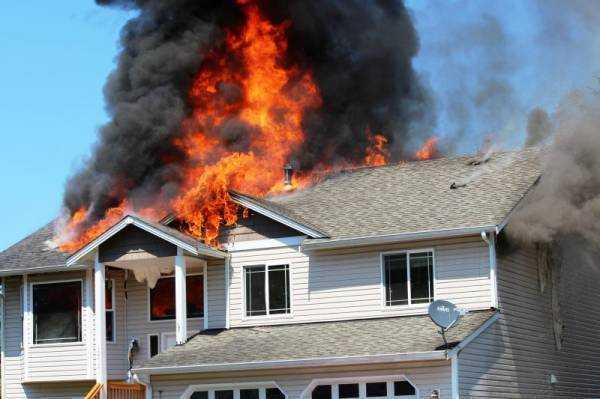 К чему снится пожар в чужом доме? Сонник про пожар в чужом доме, дым, пламя, пепелище