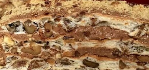 Домашний королевский торт с кремом готовится быстро и без лишних финансовых затрат