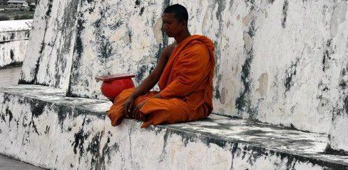 Мантры тибетских монахов
