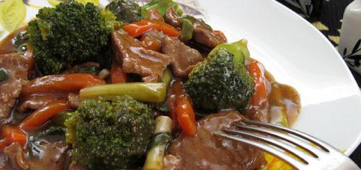 Говядина с овощами по-тайски