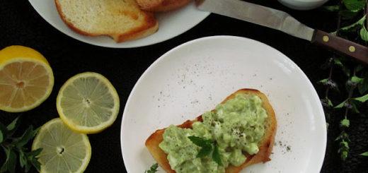 Дип-намазка из авокадо и яиц