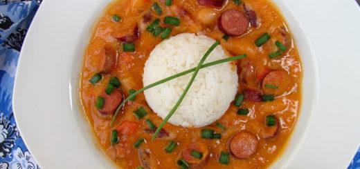 """""""Скачущий Джон"""" - горячее из фасоли с колбасками и овощами (Hoppin' John)"""