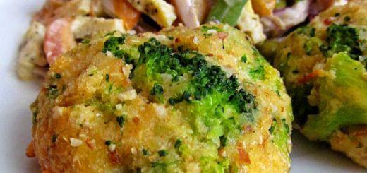 Запеченные сырные оладьи с брокколи (Cheesy Baked Broccoli Fritters )