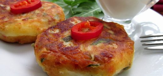 Картофельные сырники с рукколой и острым перцем