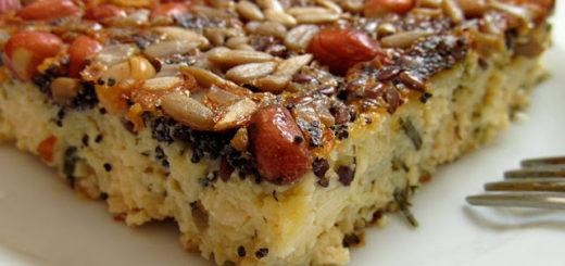 Творожно-сырная запеканка с орехами и семечками