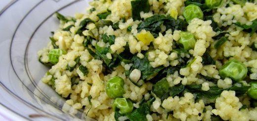 Кус-кус со шпинатом и зеленым горошком