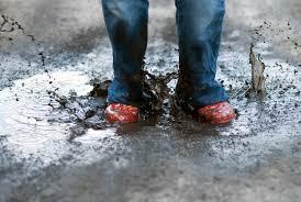 К чему снится грязь под ногами по соннику Миллера, Фрейда, Цветкова