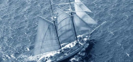 К чему снится плыть на корабле по толкованию известных сонников