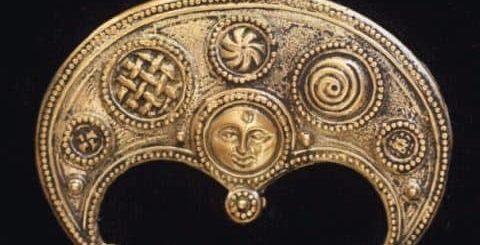 Оберег Лунница и его значение у славянского народа
