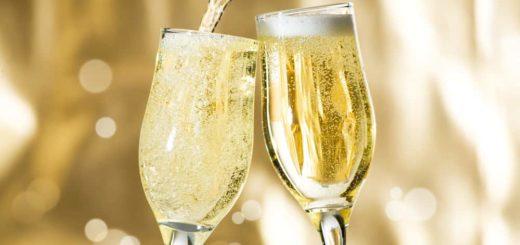 Как понять, к чему снится шампанское по основным толкованиям и по сонникам