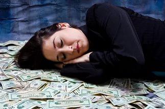 К чему снятся деньги по сонникам Миллера, Ванги, Хосе, Эзопа