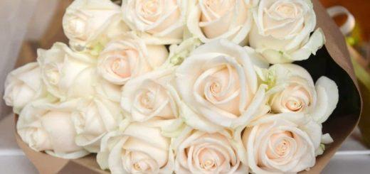 К чему снится букет роз по сонникам: Фрейда, Миллера и др.