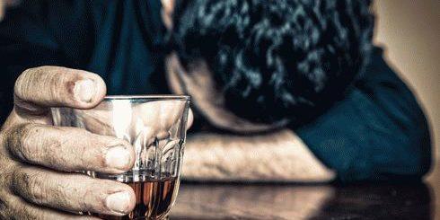 К чему снится пьяный человек?